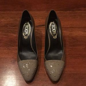 Tod's Taupe Pumps